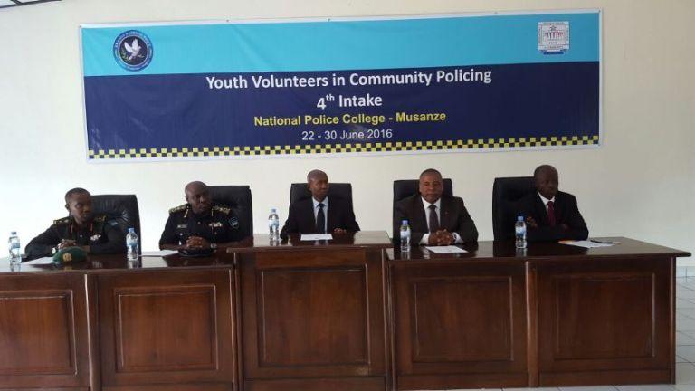 Uhereye ibumoso, IGP Gasana, Minisitiri Seikh Fazil, Guverineri Bosenibamwe, Justus Kangwagye.