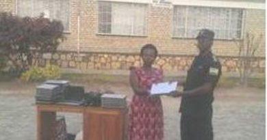 Ruhango: Polisi y'u Rwanda yasubije mudasobwa 27 zari zaribwe mu kigo cy'ishuri
