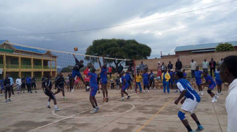 Kamonyi: Ikipe ya Ruyenzi Volleyball Club yateguye amarushanwa azahuriramo amakipe atanu